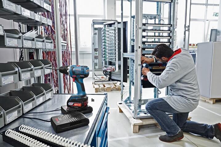 Bosch Wireless Charging Lithium Ion Battery Set GAL1830W