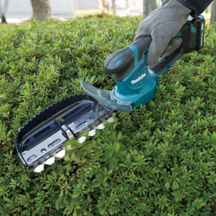 Makita Cordless Hedge Trimmer UH201DWAX