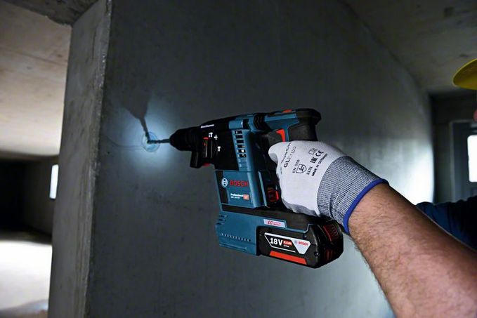 Bosch Cordless Rotary Hammer GBH 18 V-26 (SOLO)